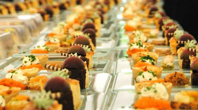 Wedding menu wedding breakfast canapes buffet options for Canape buffet menus